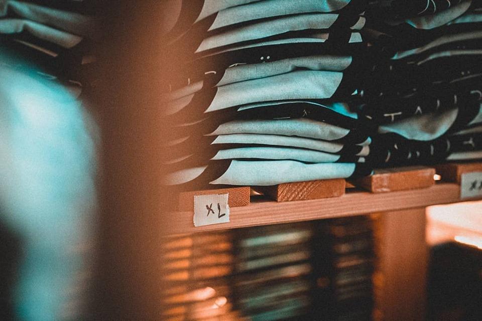 Lagerbestand Shirt BNW